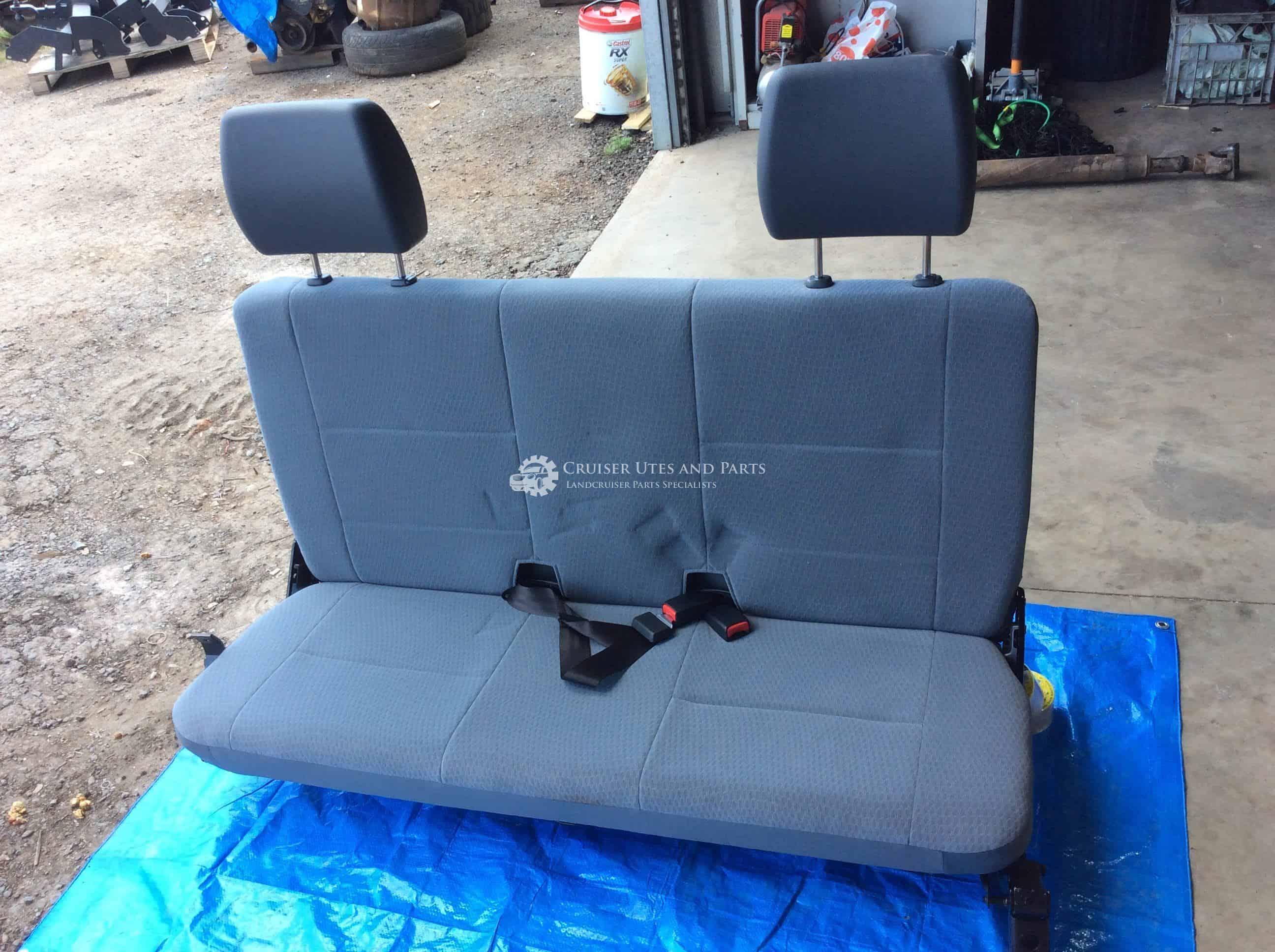 For Toyota Landcruiser HJ45 BJ40 Thermostat Housing Upper H//B